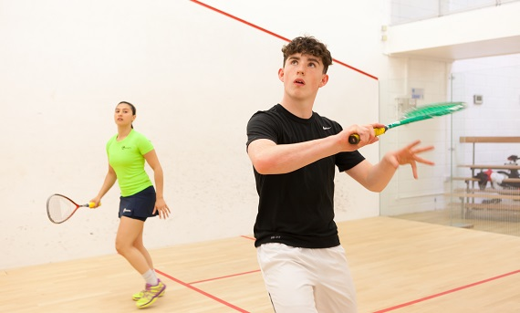 male and female squash player