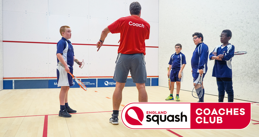 Coaching group sessions for young people on court